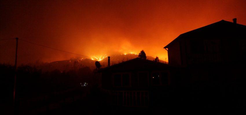Incendio consume galpón al norte de Tirúa: se investiga la causa del siniestro