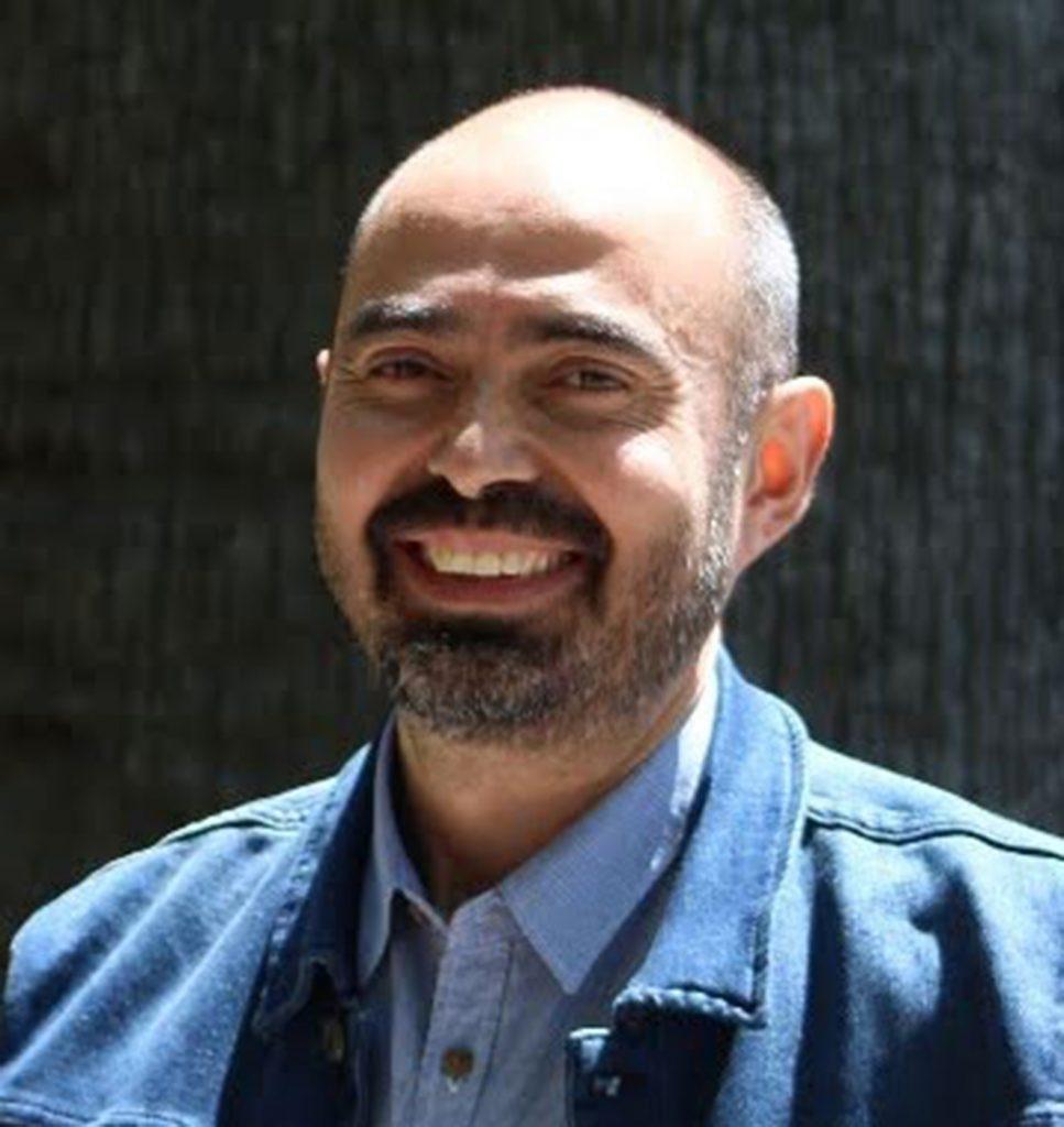 La imagen tiene un atributo ALT vacío; su nombre de archivo es Fernando-Venegas-Espinoza-967x1024.jpg